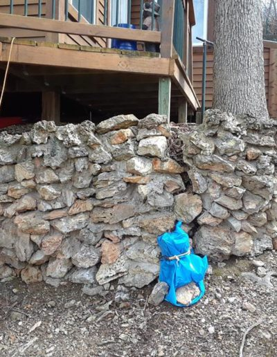 natural rock retaining wall