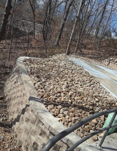 retaining wall and rock landscaping